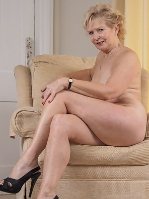 Gallerie photo granny nude