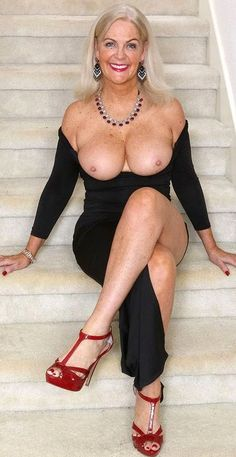 Glamor shots older nude women