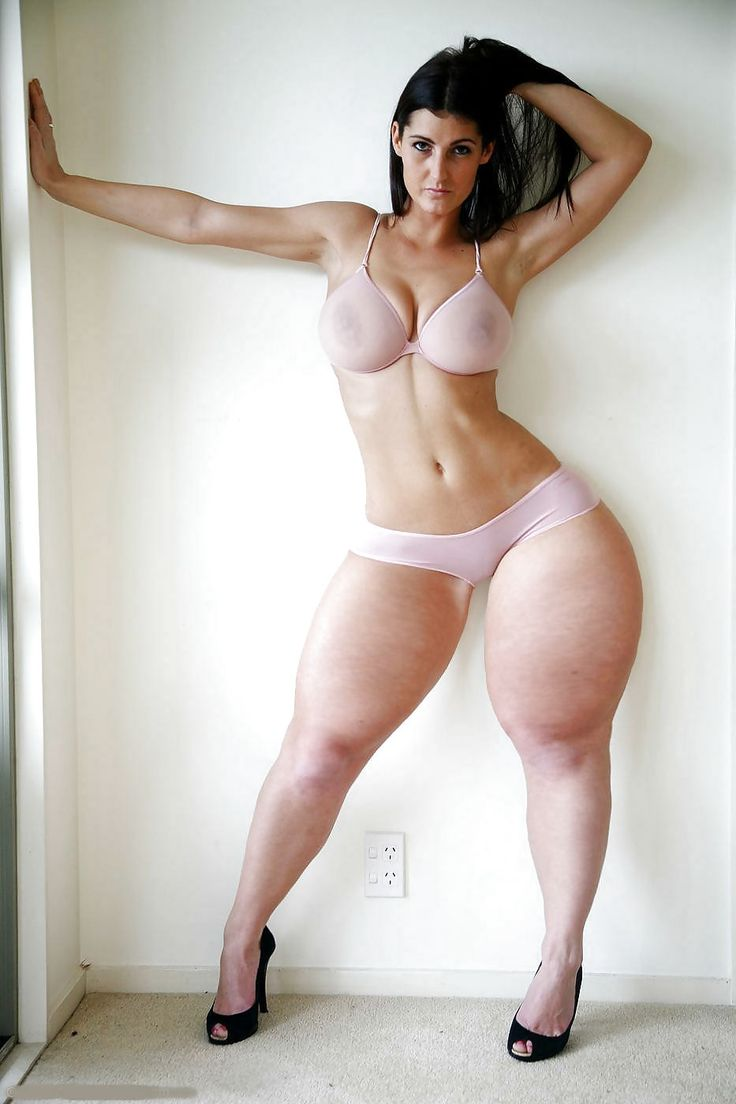 Big hips, thighs arab women nude