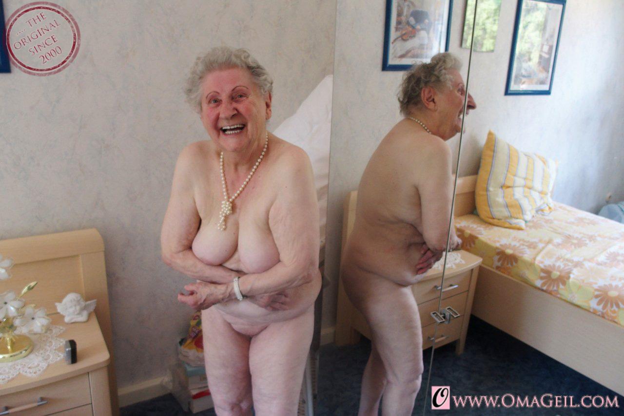 Nude granny oma geil