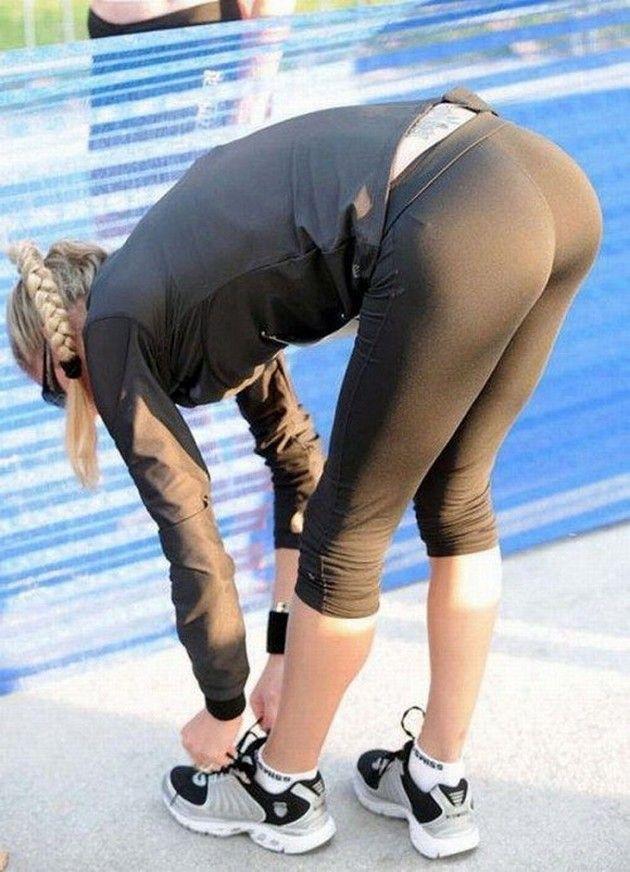 Hot girls in spandex leggings