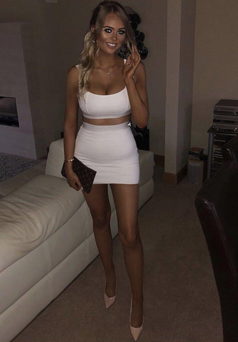 Amateur hot legs mini skirt