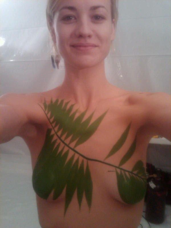 Naked yvonne strahovski nude