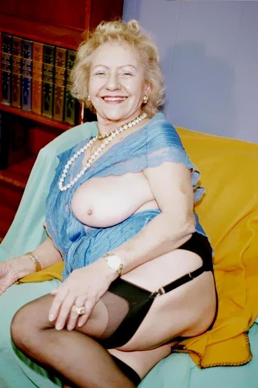 Mature granny lingerie fucking