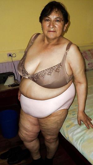 Fat granny nude pic