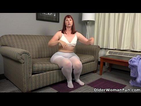 Mature milf full hips