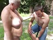 Nackte omas im strebergarten