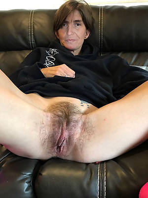Big ass naked mature ve