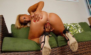 Blonde shaved pussy hot