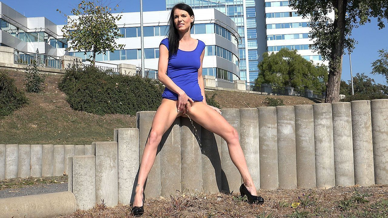 Hot girls pissing in public