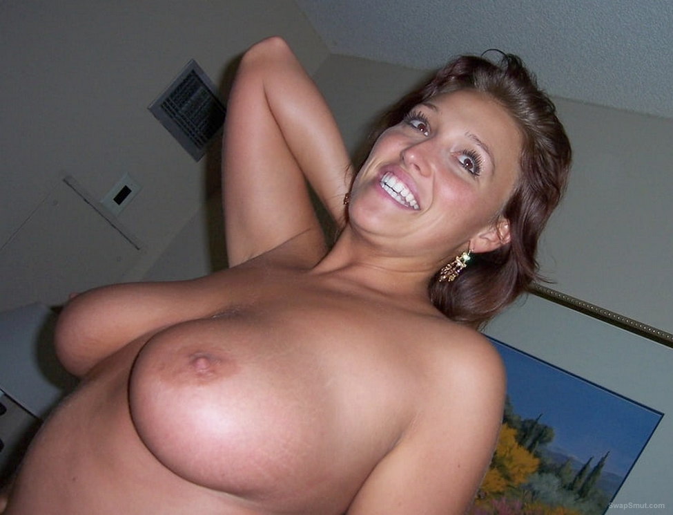 Busty amateur wife tits
