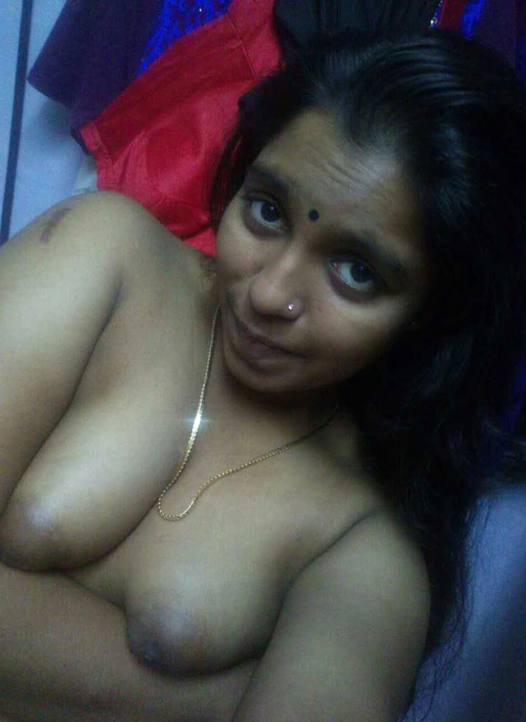 Indian bhabhi boobs photos
