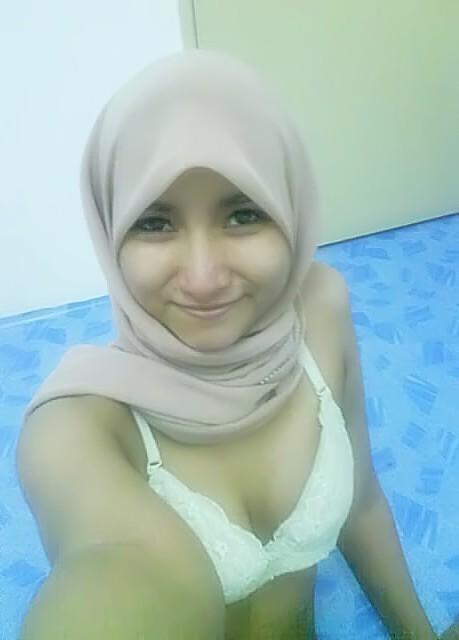 Indonesia muslim selfie naked