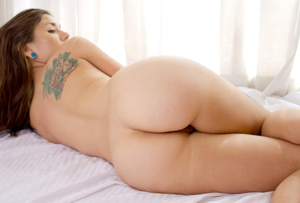 Beautiful nude girls big ass