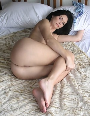 Hot mom naked on bed