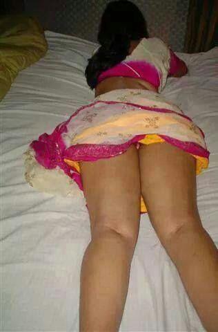 Aunty nude panty pics