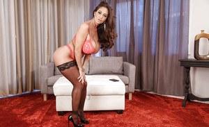Xossips. com nude photos