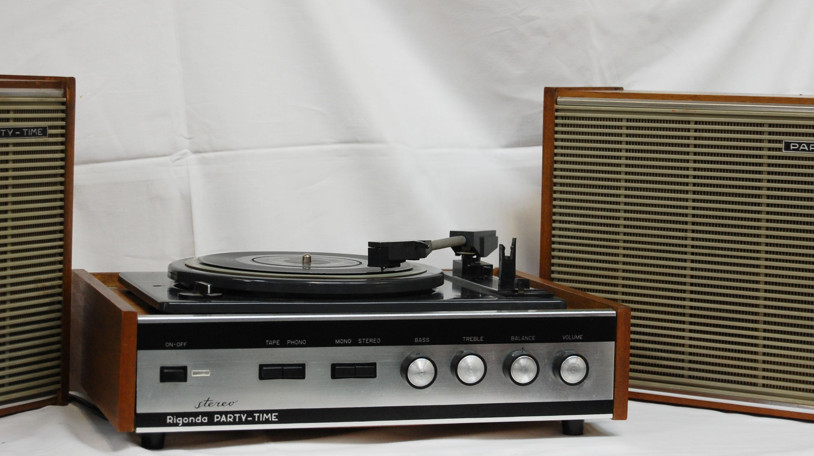 Music time vintage record player