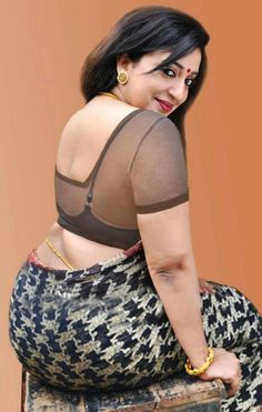 Sexy aunties saree open big thy