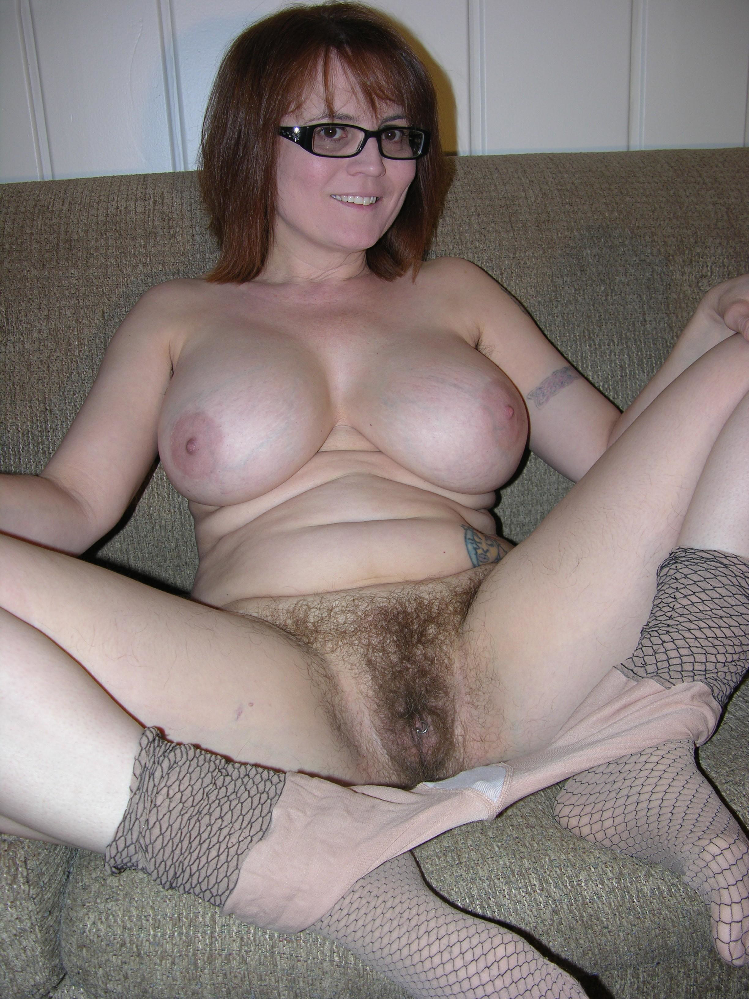 Hairy pussy amateur nude