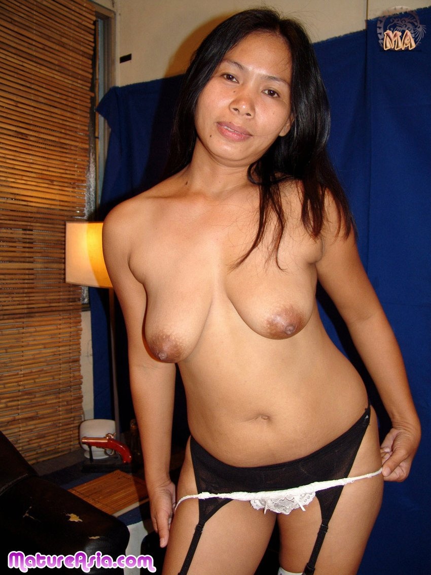 Asian mature house wife nude pics