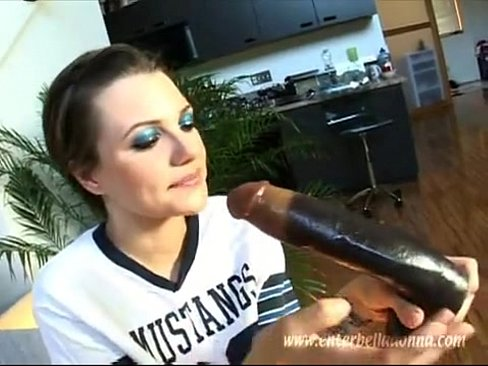 Bella donna deepthroat huge cock