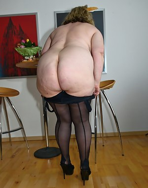 Mature old granny fat ass