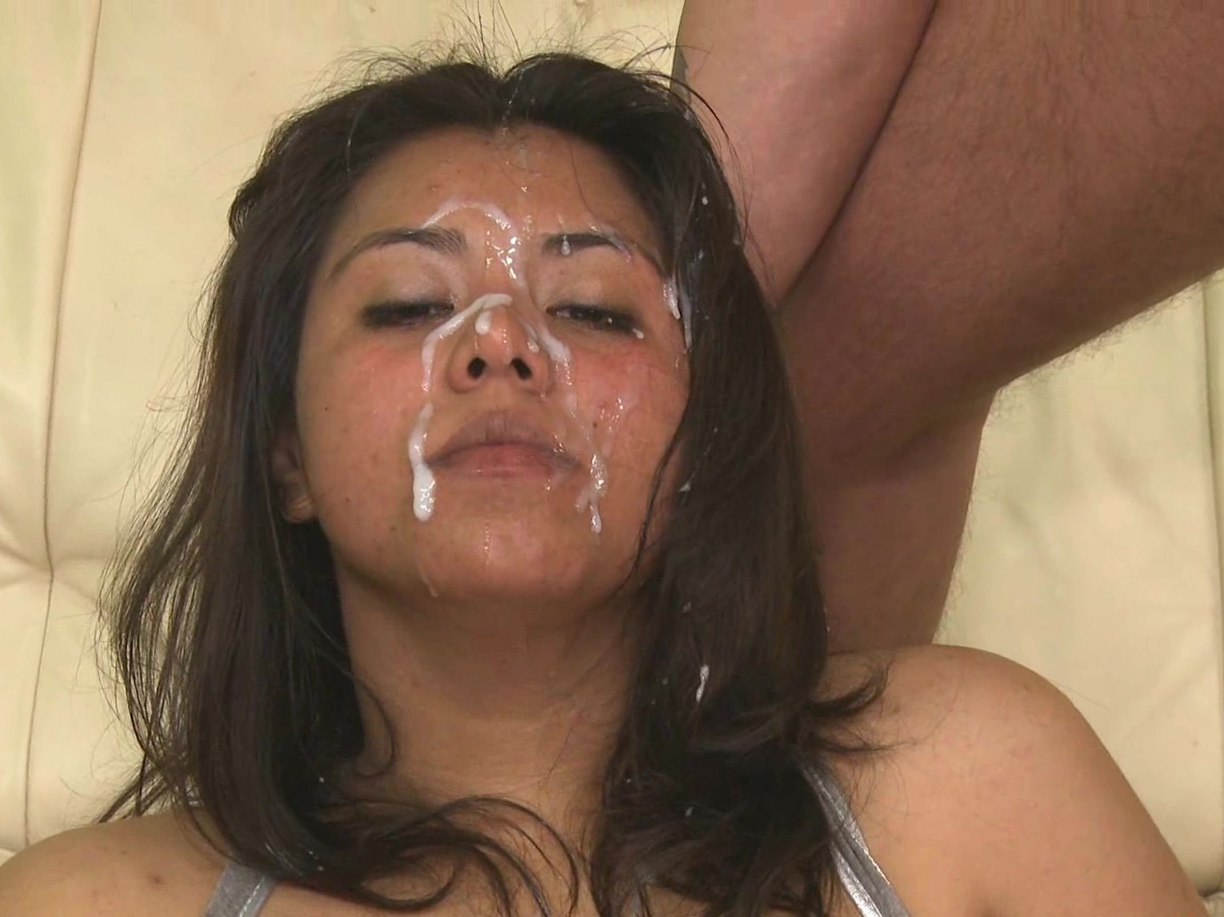 Flying cum shot on big tits