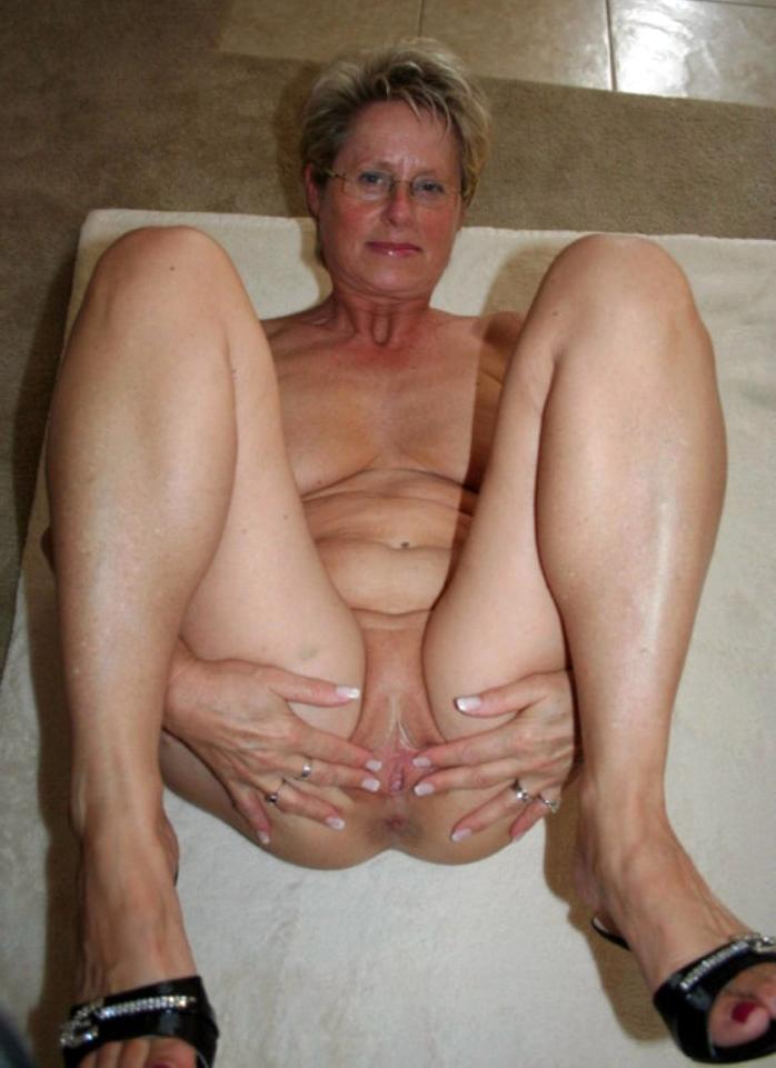 Wife legs open nude