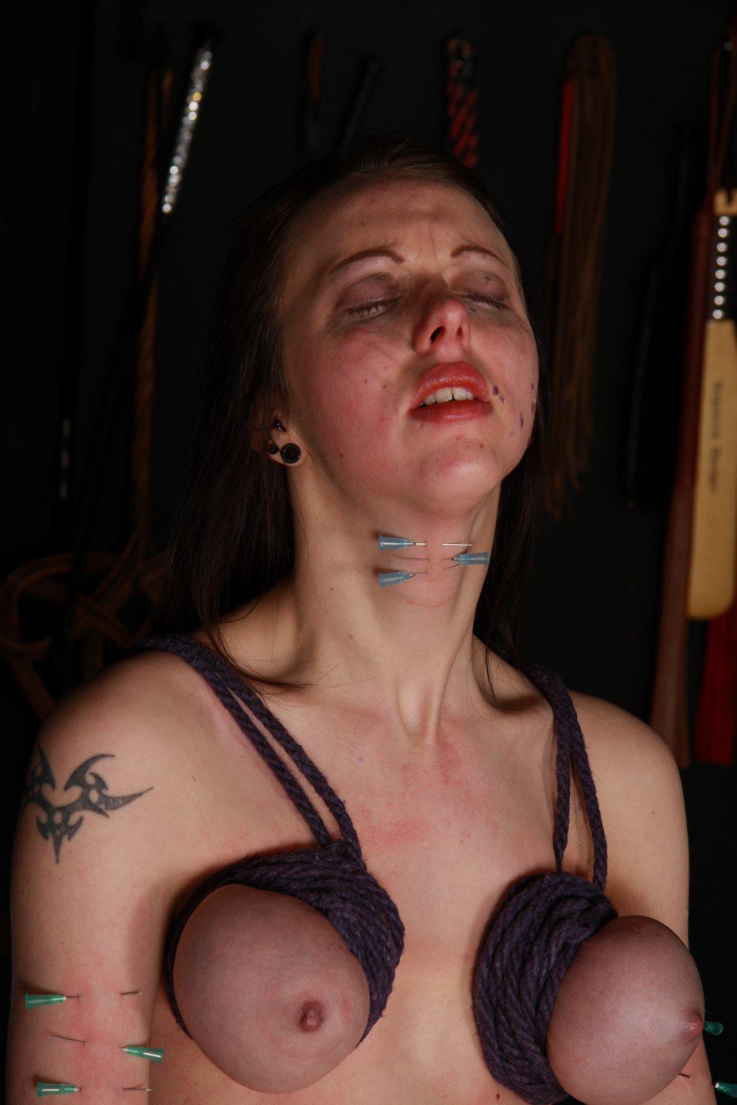 Slaves needle pain bdsm torture play