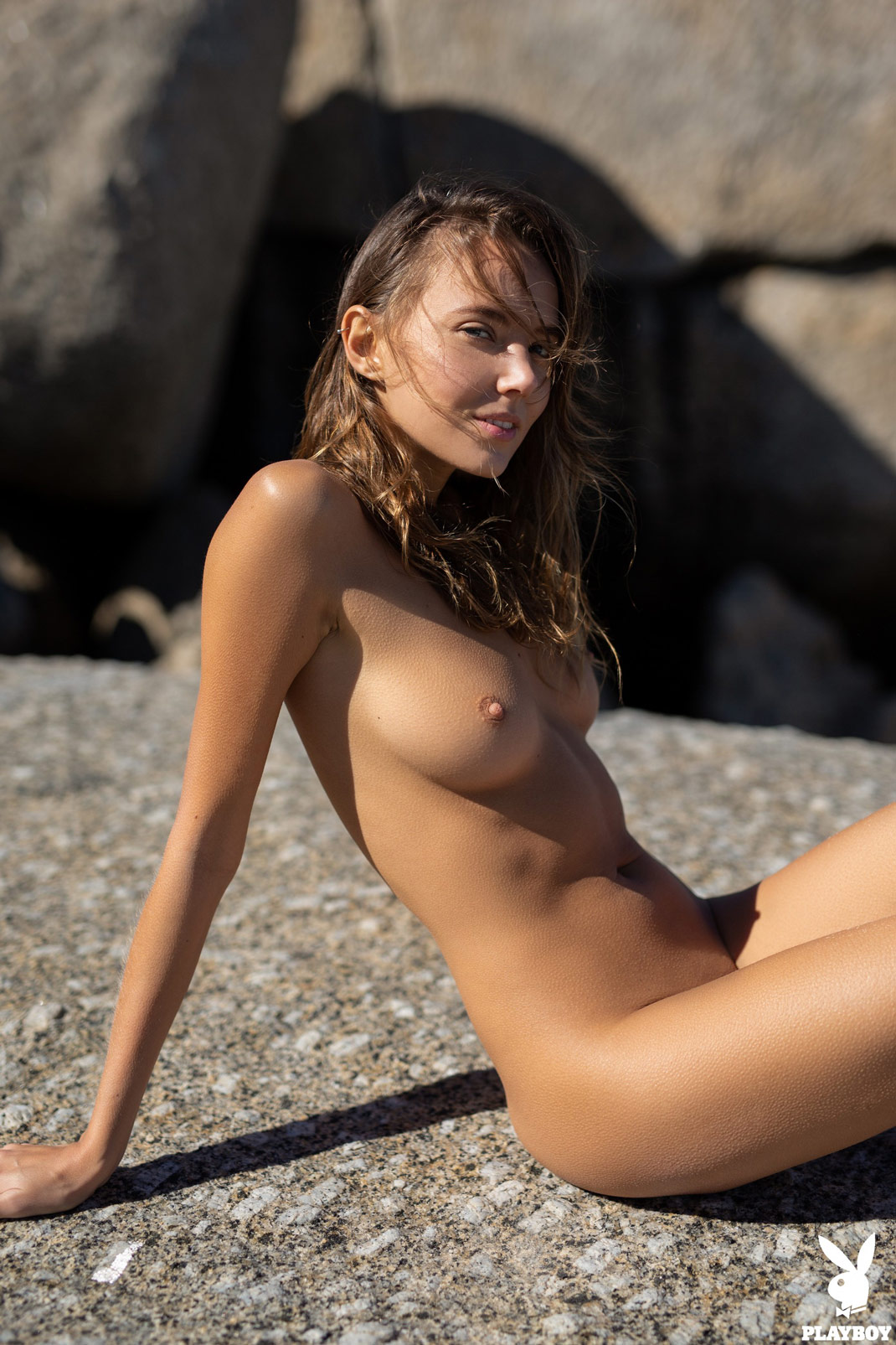 Hot naked bikini girls