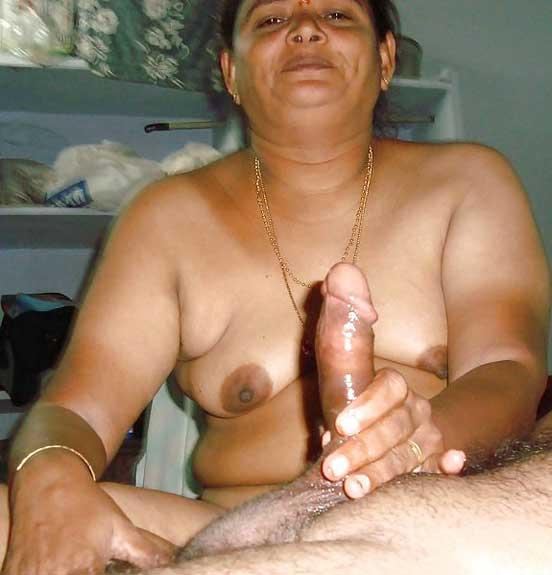 Nude desi aunties suck