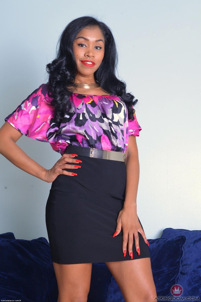 Yasmine atk ebony exotics