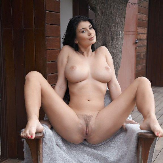 Sexy nude girls in pussy