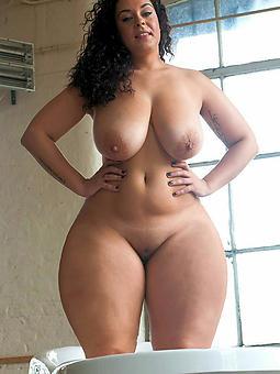 Curvy nudity photo shot