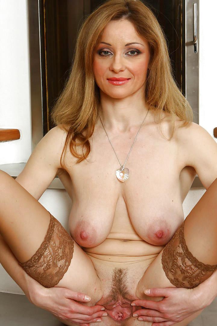 Mature saggy tits valerie