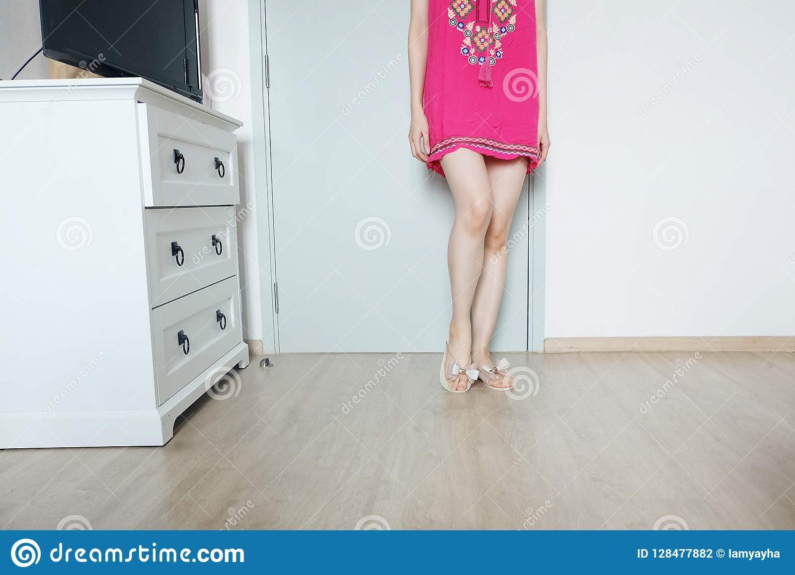 Long legs nude women standing