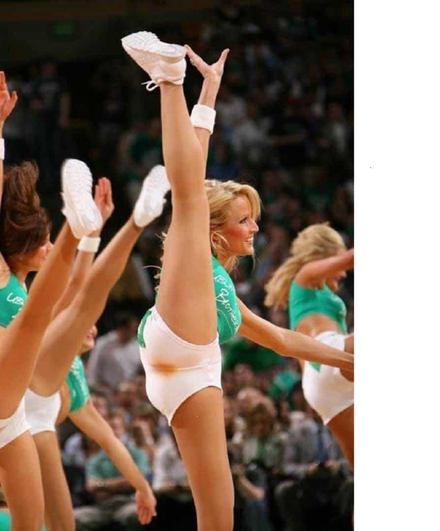 Nfl cheerleaders wardrobe fails