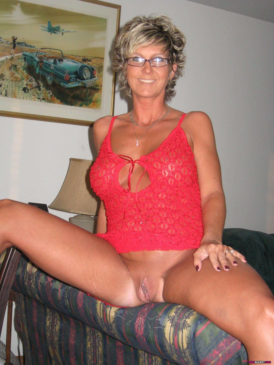 Milf amateur mature wife nude