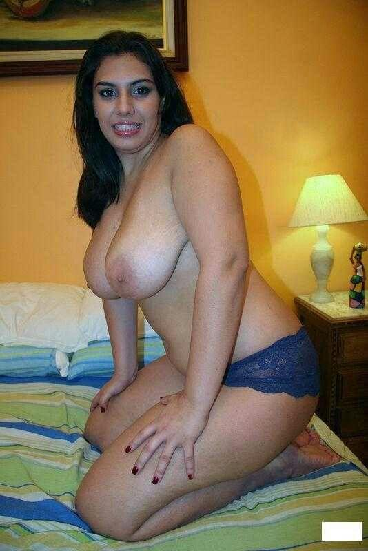 Sexy arab nice breast nude