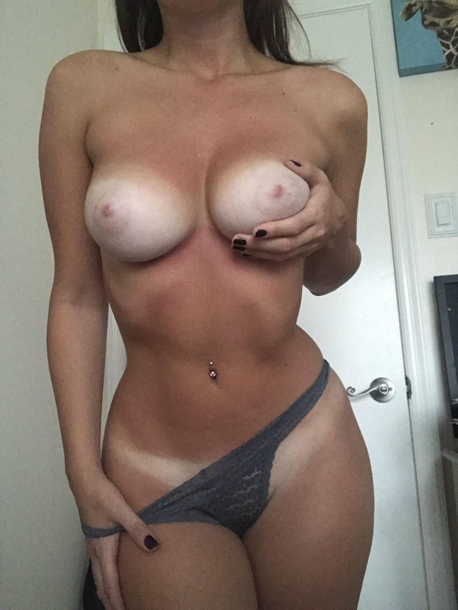Download sexy boobs and pussy selfie picture