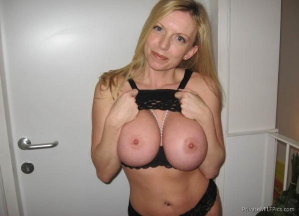Blonde amateur big tits