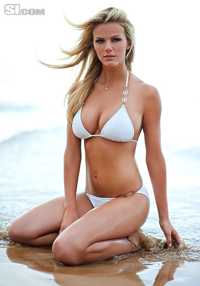 Brooklyn decker sports illustrated swimsuit