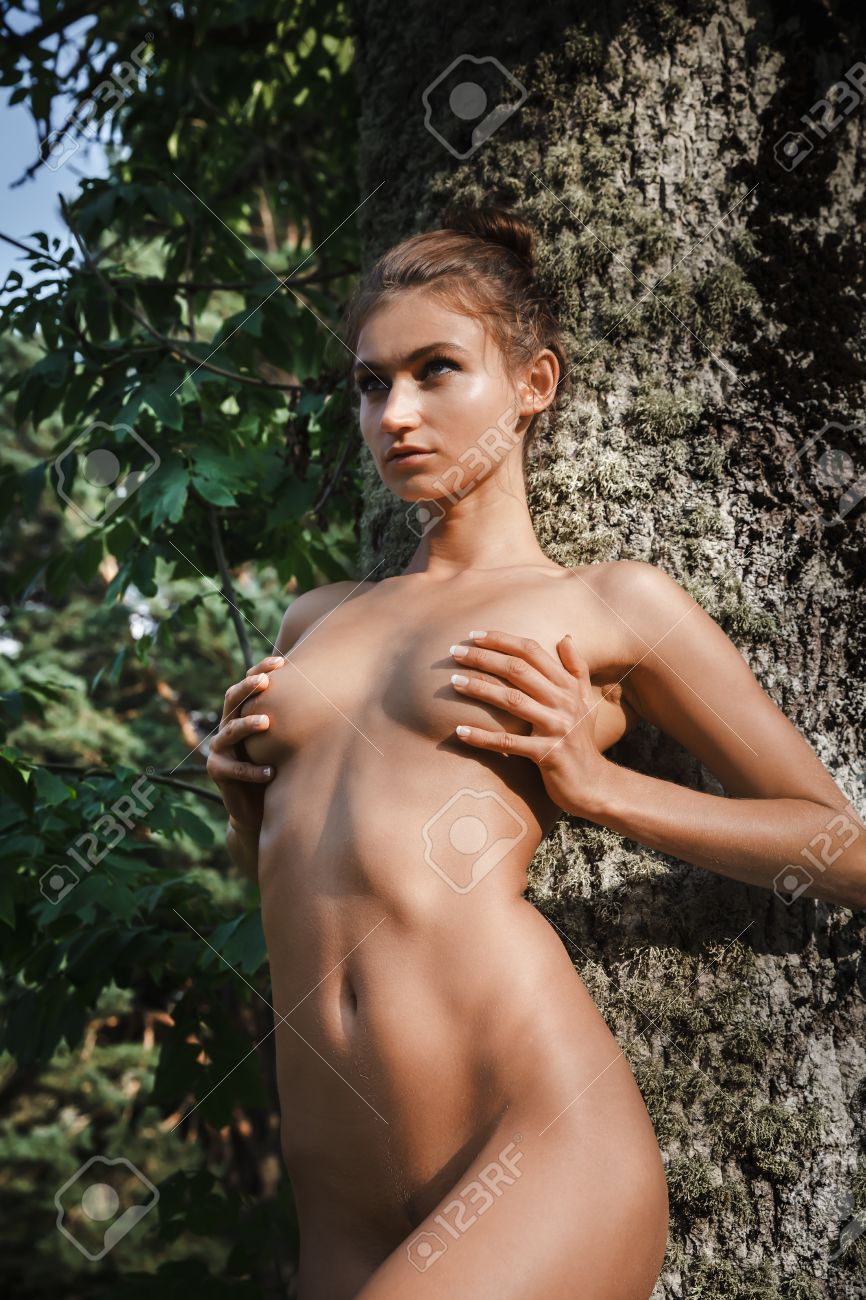 Young naked girl full nude