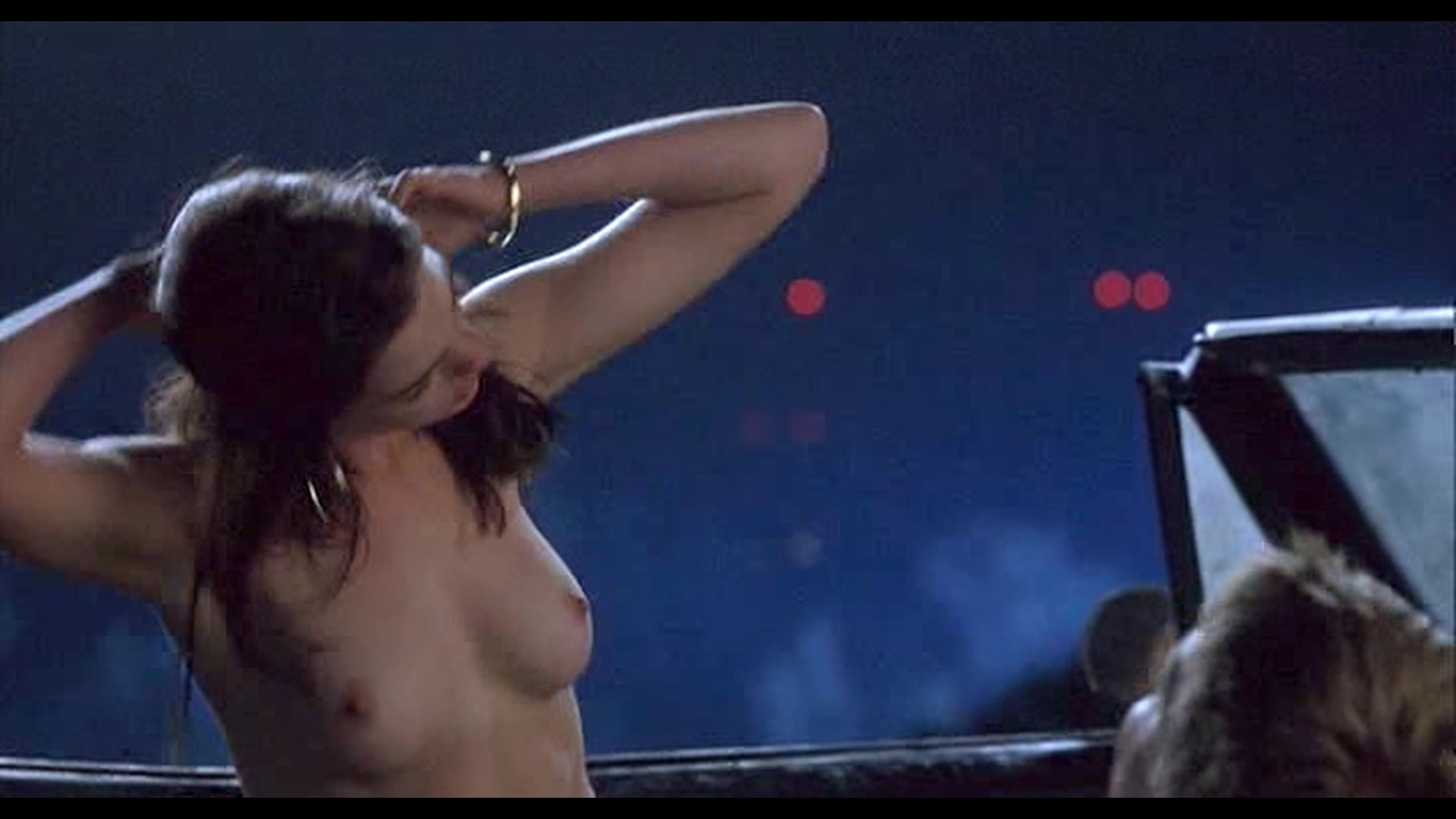 Anne hathaway free nude scenes
