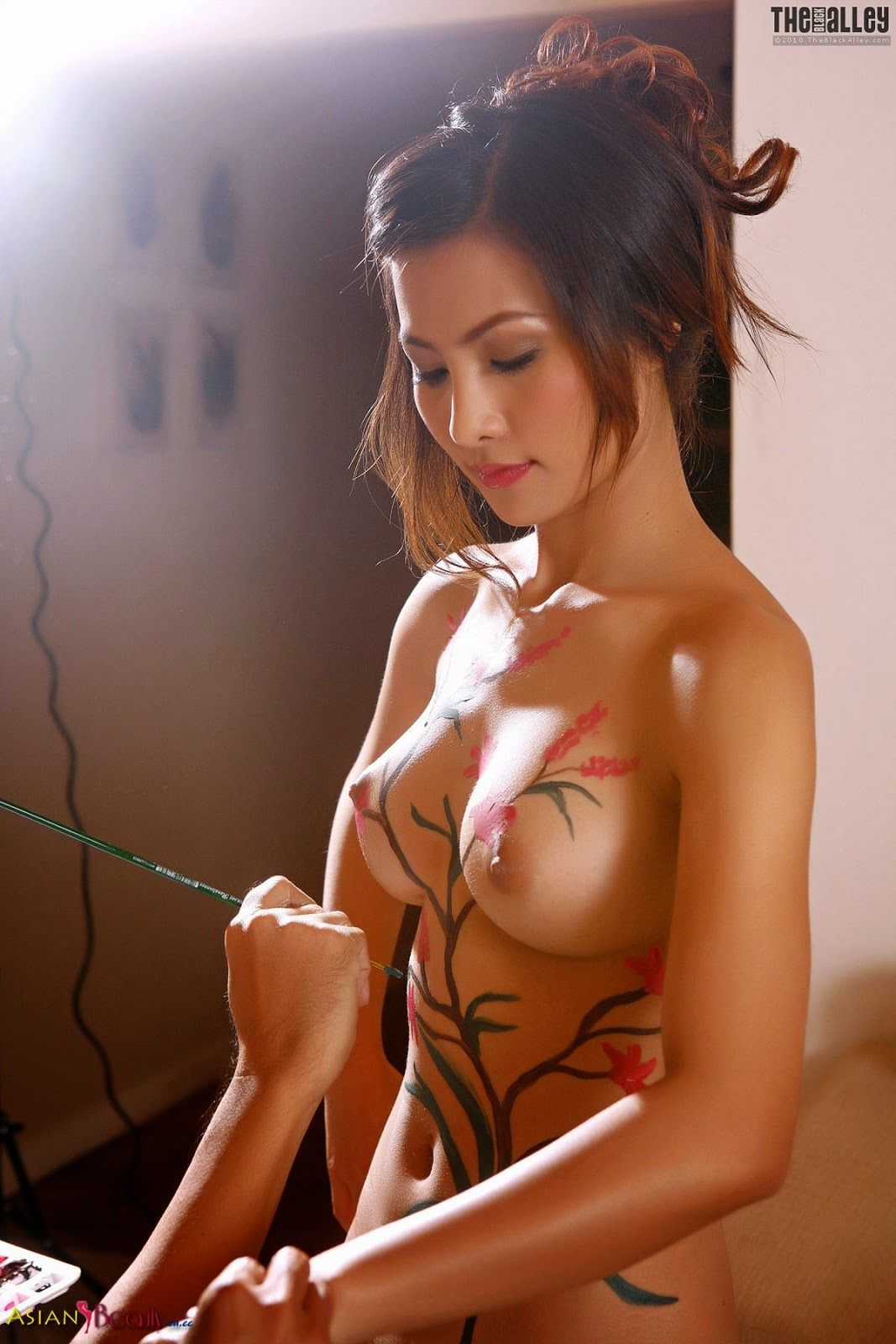 Erena pine body paint