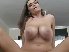 Bouncing boob fuck porn