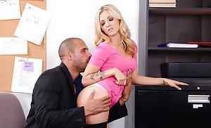 Leila the life erotic