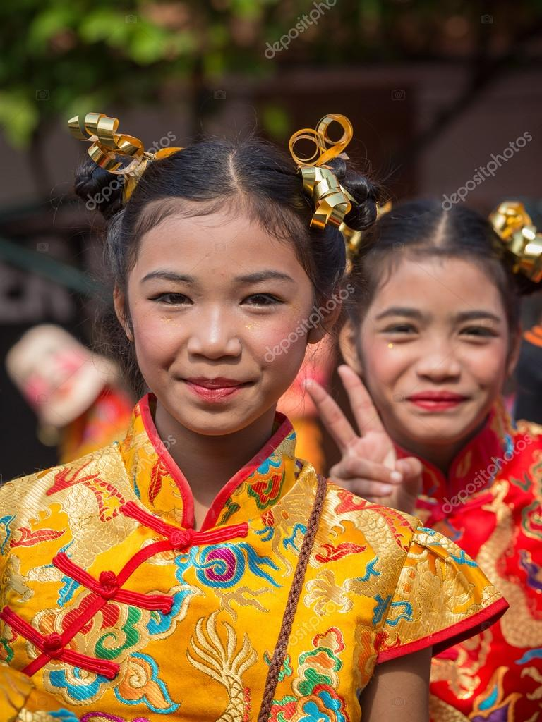Young thai street girls