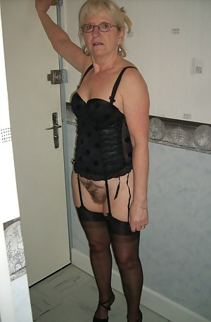 Mature stocking girdle porno
